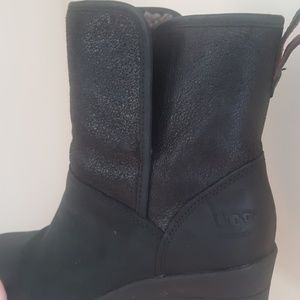 ddddc45e938 UGG Shoes - UGGS Renatta Wedge Ankle Boot